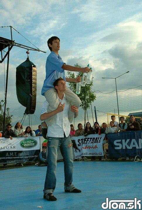 majstri čašníci - duo žonglovačky