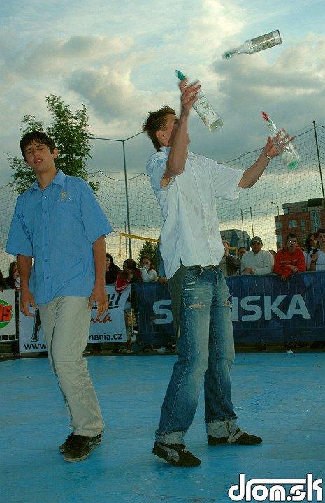 majstri čašníci - žonglovačky