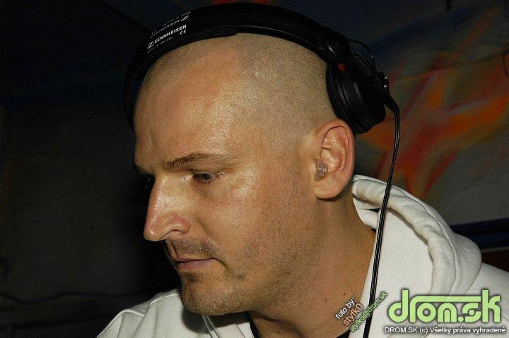 DJ L Plus