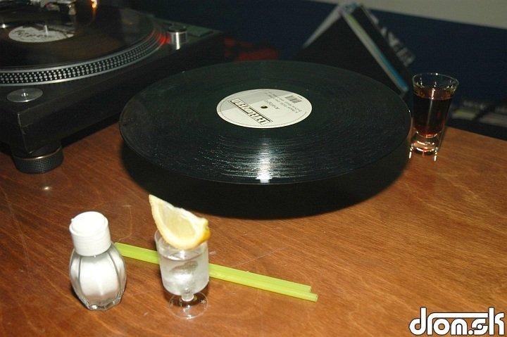 lietajúci vinyl