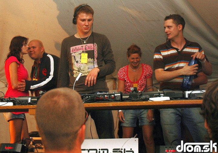 Ižďo & Wicc & Bára & Bo.Dan